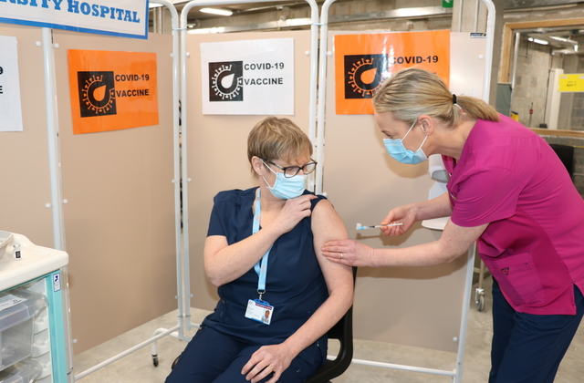 Mary Meade, Staff Midwife, Maternity Ward at Sligo University Hospital (SUH) who was the first staff member to receive the Pfizer BioNTech COVID-19 vaccine in Sligo with Catherine Greaney, Staff Nurse.
